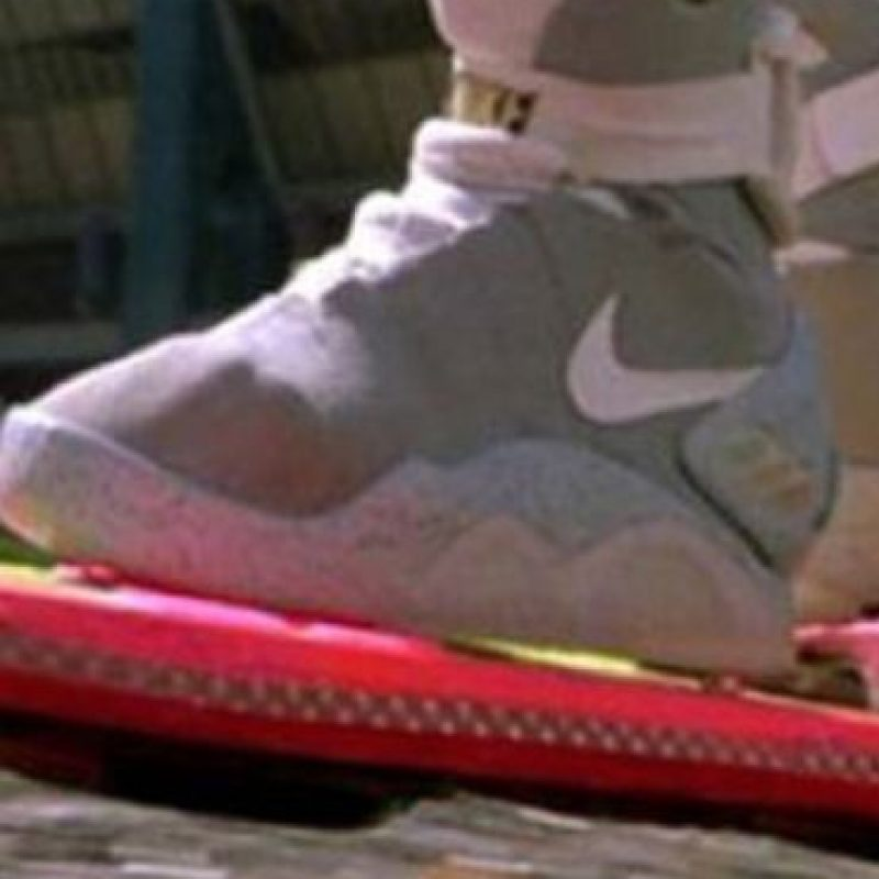 """Los tenis de """"Marty"""" también los pueden encontrar. Foto:vía Amblin"""