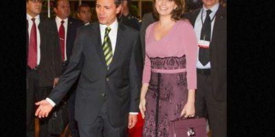 También criticaron su vestido verde de 2013. Foto:vía Página Oficial Angélica Rivera
