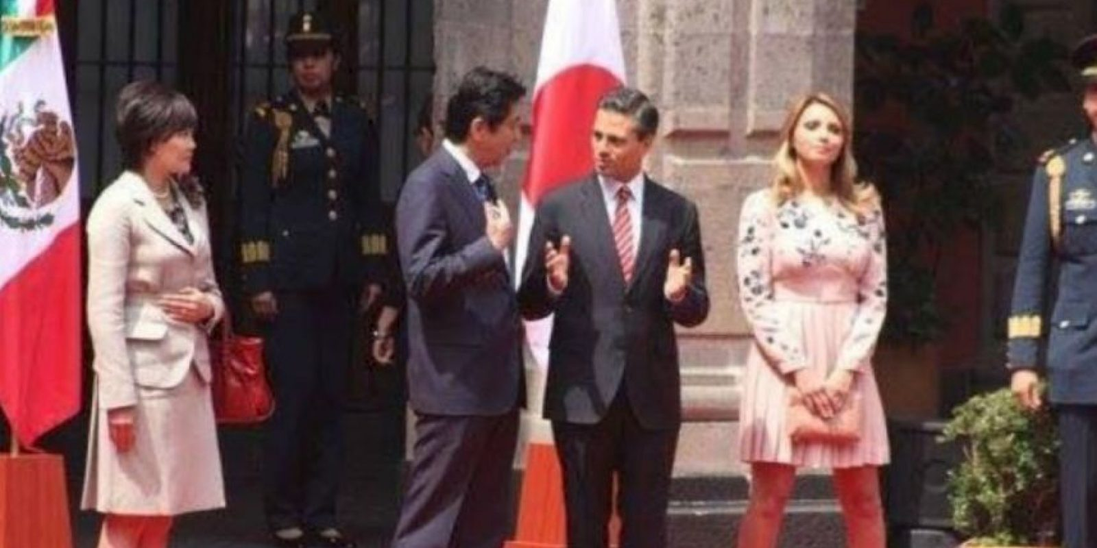 El vestido de Óscar de la Renta el año pasado le costó 30 mil dólares. Foto:vía Página Oficial Angélica Rivera