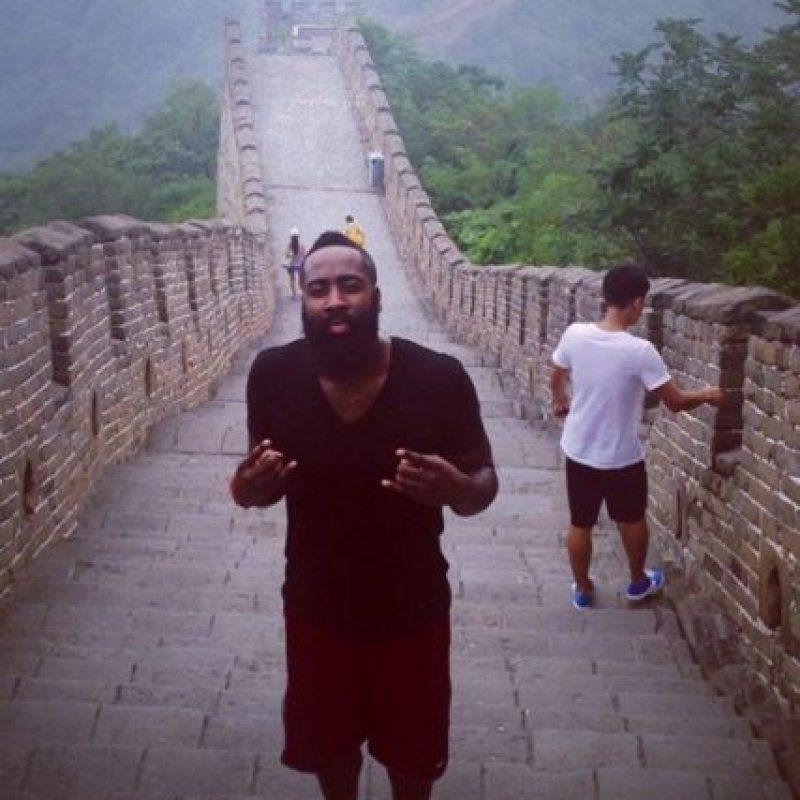 En sus cuentas personales comparte sus viajes Foto:Vía instagram.com/jharden13