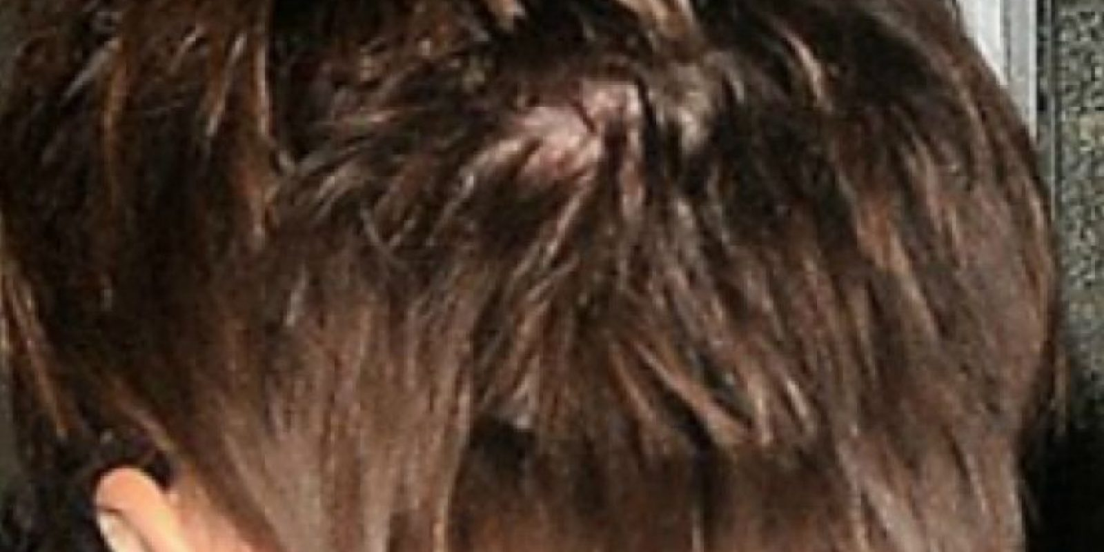 Por eso tuvo que cortarse el pelo. Foto:vía Grosby Group