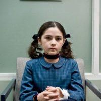 """La actriz interpretó a """"Esther Coleman"""", una niña huérfana que es adoptada por la familia """"Coleman"""". Foto:IMDB"""