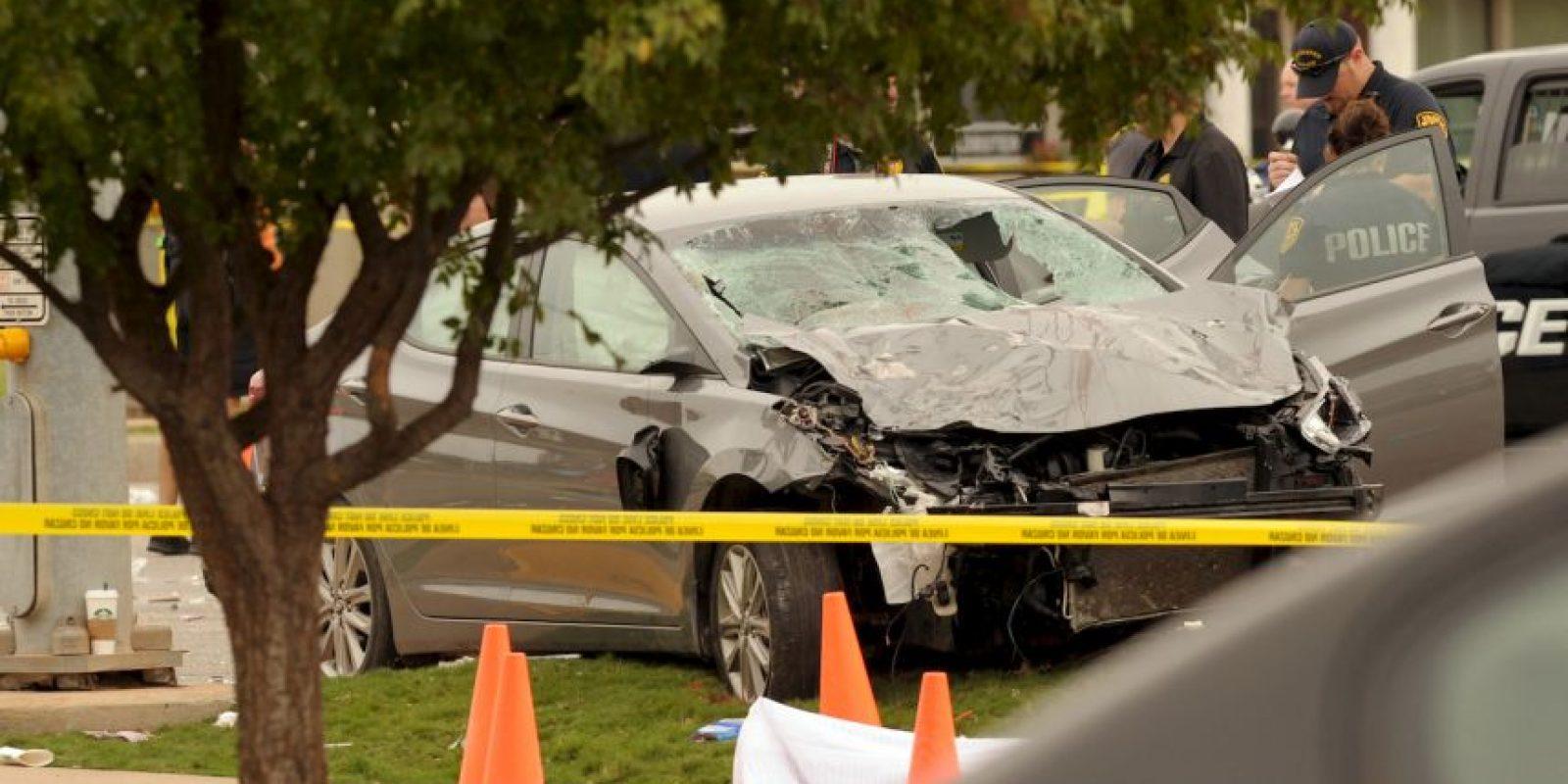 Un auto embistió a los espectadores de un desfile Foto:AP
