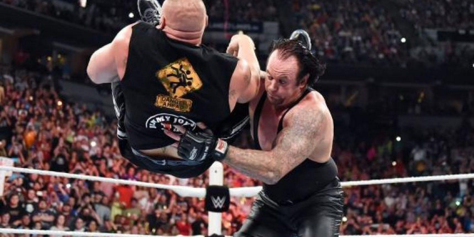 Undertaker y Brocke Lesnar se enfrentarán en un Hell in a Cell match Foto:WWE