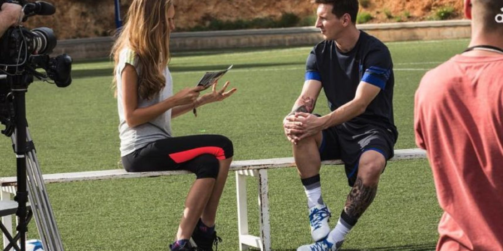 La modelo entrevistó a Lionel Messi Foto:Vía instagram.com/alenagerber