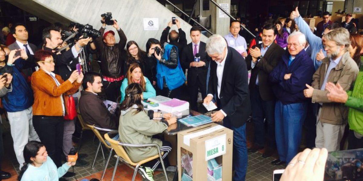Fotos: Así fue el momento del voto de los candidatos de Bogotá