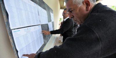 Los Kirchner acuden a emitir su voto Foto:AFP