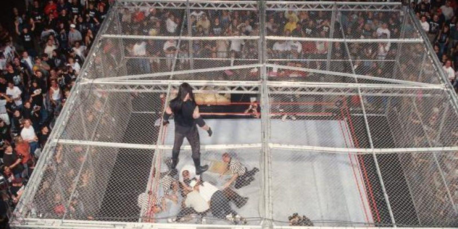 Undertaker vs. Mankind Foto:WWE