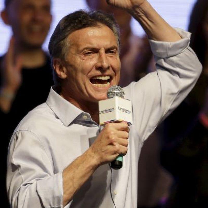 """Y es que ninguna encuestadora había previsto este panorama: el opositor Mauricio Macri quedó a dos puntos porcentuales del candidato oficialista, Daniel Scioli, del partido """"Frente para la Victoria"""". Foto:AP"""