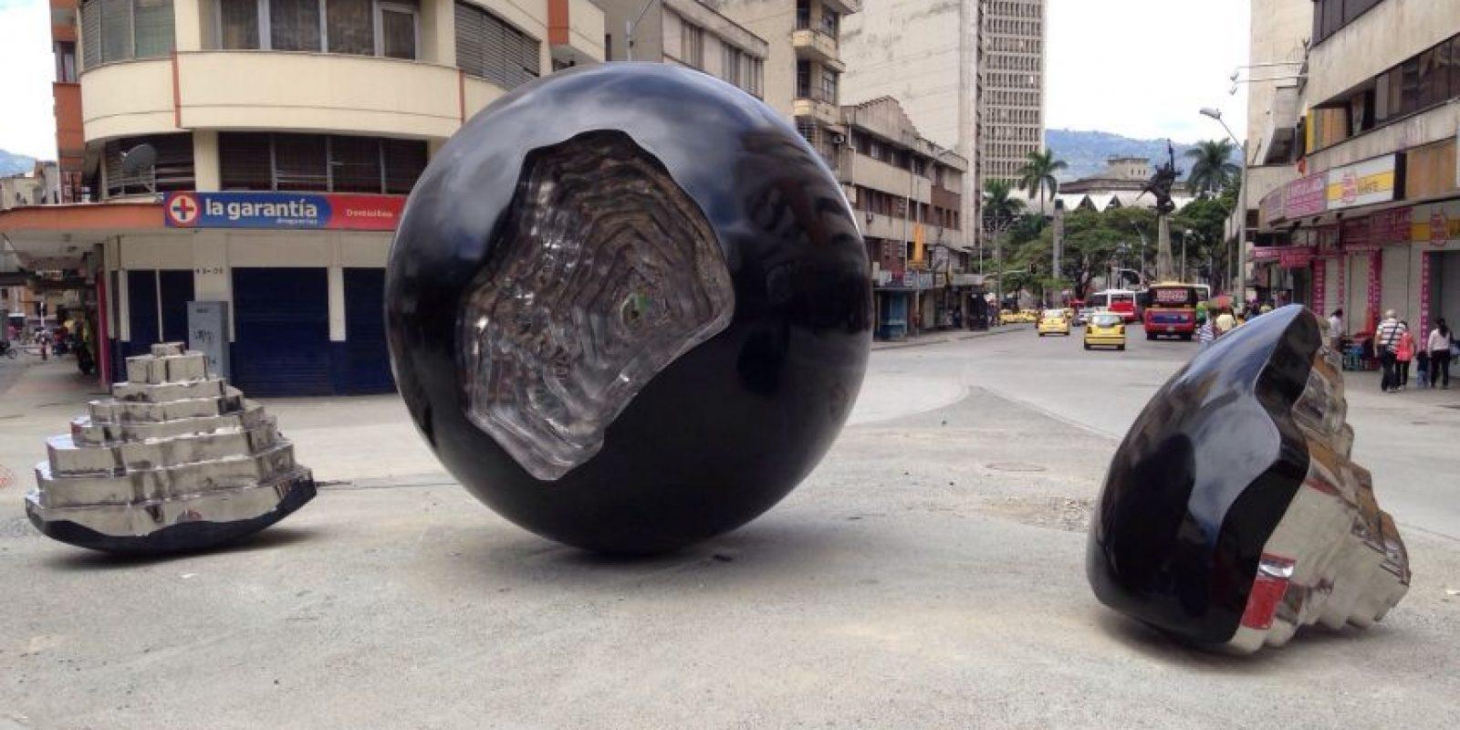 """""""Hacer parte de este paisaje subjetivo que vincula una forma pura, la esfera con otras formas orgánicas las estatigrafias"""" Fredy Alzate. Foto:Cortesía del artista"""