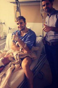 Pero en duelo de Champions League ante el PSV, una dura barrida del mexicano Héctor Moreno le costó una fractura de tibia y peroné. Foto:Vía instagram.com/lukeshaw23