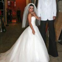 En 2011, Kelly Ripa y Nick Lachey se disfrazaron como Kim Kardashian y Kris Humphries en su boda. Foto:Getty Images