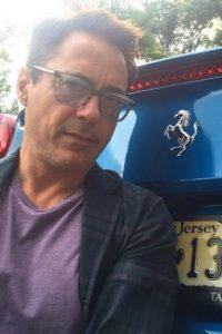 3. En 2001, Robert Downey Jr. se encontraba en rehabilitación, pero la abandonó durante un día para participar en un videoclip de Elton John. Foto:Instagram/robertdowneyjr