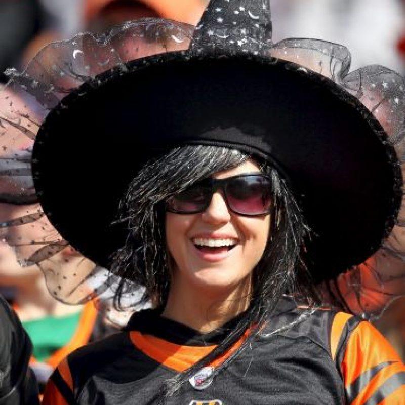 """La """"bruja"""" hincha de los Bengals de Cincinnati. Foto:Getty Images"""