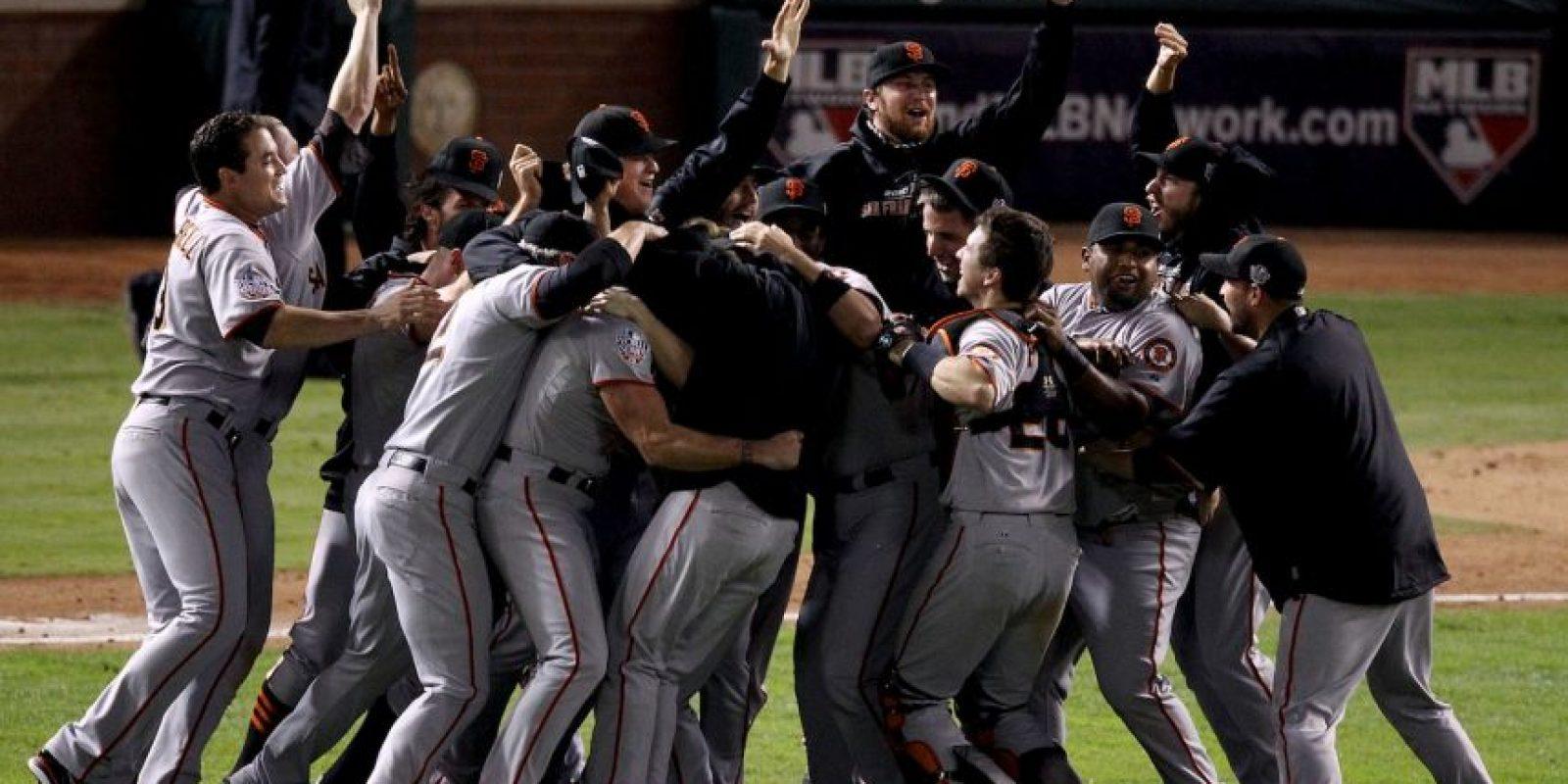 2010 – Gigantes de San Francisco / Vencieron a los Rangers de Texas en cinco juegos. Foto:Getty Images