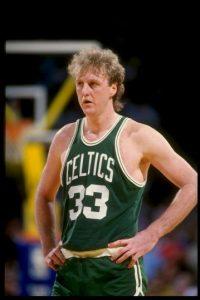 """Tira mejor que yo, rebotea mejor que yo, asiste más que yo, corre más que yo… pero no es mejor jugador que yo"", Larry Bird sobre Dirk Nowitzki Foto:Getty Images"