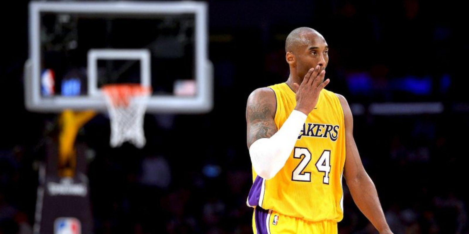 El símbolo de los Lakers en las últimas dos décadas, vive sus últimos días en la duela y se ha rumorado que esta es su última campaña como profesional Foto:Getty images