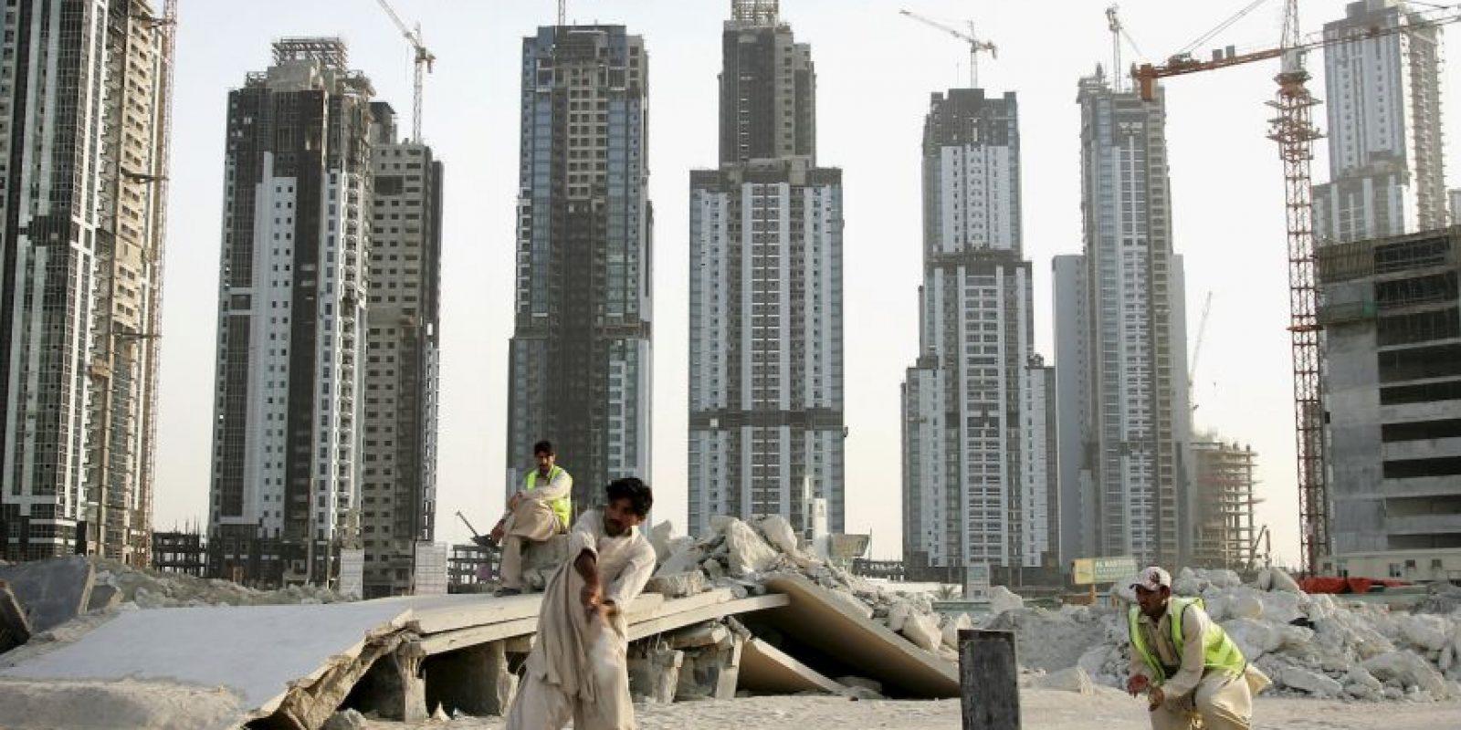 Ciudades como Dubai, en Emiratos Árabes Unidos y Bandar Abbas, en Irán, podrían alcanzar temperaturas promedio muy superiores a los 35ºC (95F), el límite para una supervivencia humana óptima. Foto:Getty Images