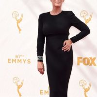Así se vio a Jamie Lee Curtis en los Emmy. Foto: vía Getty Images