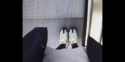 Lo ideal es ir en el medio y cuando va con niños hay que sostenerlos Foto:Instagram.com/explore/tags/escalator/