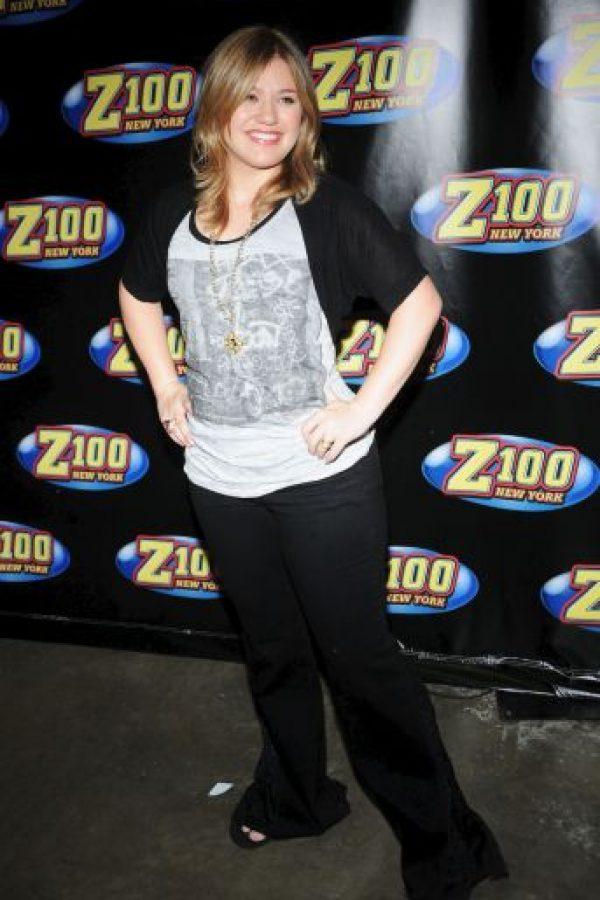 La portada fue photoshopeada quitándole kilos a la cantante Foto:Getty Images