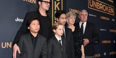 """9.- Shiloh acaparó todas las miradas cuando se presentó con una corbata en el estreno de la cinta """"Unbroken"""" Foto:Getty Images"""