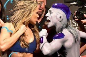"""Y por último, como una """"Súper Saiyayin"""", al estilo de """"Dragon Ball Z"""". Foto:Vía instagram.com/RondaRousey"""