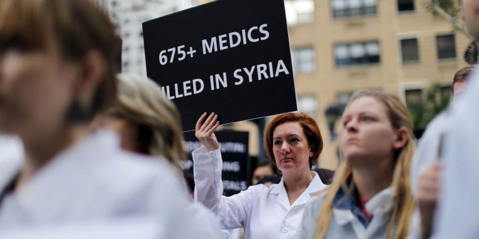 Denunciaron que cientos de doctores han sido asesinados en el país, principalmente por bombardeos de Rusia Foto:Getty Images