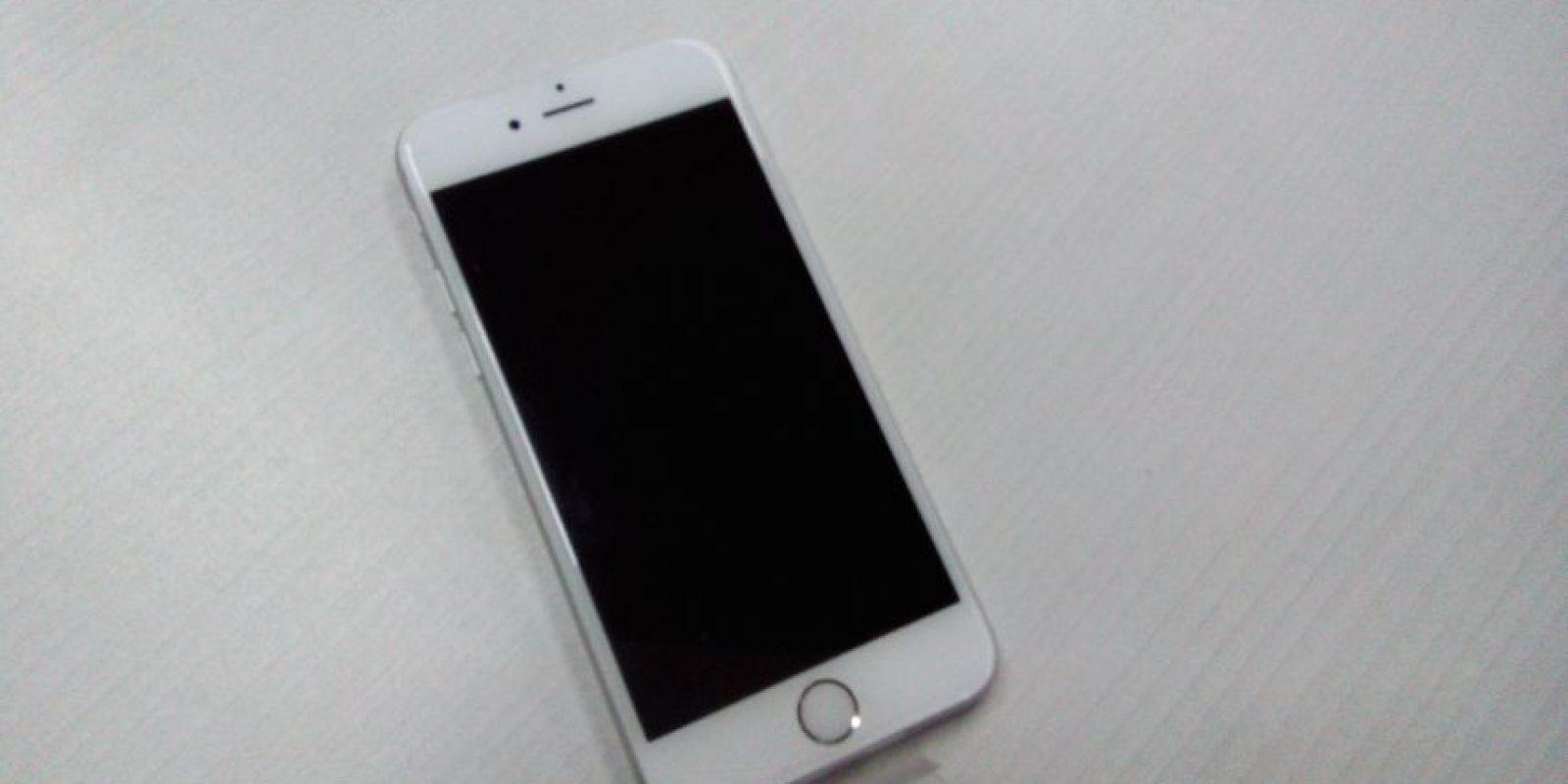Para quienes desean un smartphone que pueda caber perfectamente en su bolsillo está el iPhone de 6s de 4.7 pulgadas, pero si lo quieren para leer documentos, ver películas o jugar cómodamente está el iPhone 6s Plus de 5.5 pulgadas. Foto:Cesar Acosta / Especial