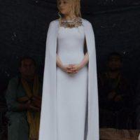 Es el símbolo del dragón, de la casa Targaryen. Foto:vía HBO