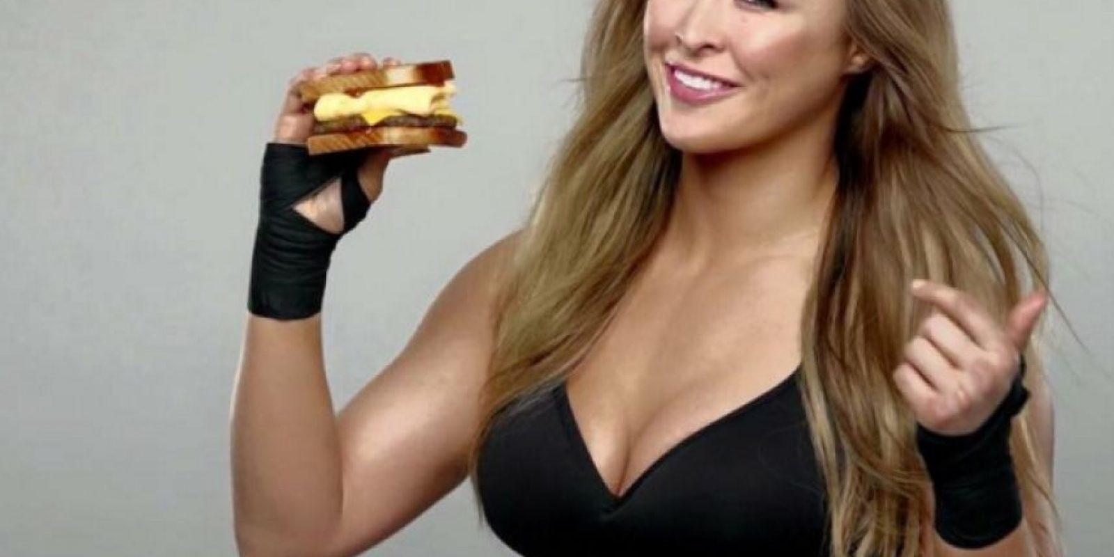 Pero fuera del ring, Ronda también es una celebridad. Foto:Vía instagram.com/rondarousey
