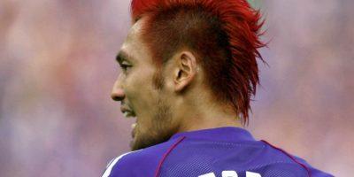 7. Kazuyuki Toda / Durante el Mundial de 2002, el japonés llevó el cabello en puntas y en color rojo. Foto:Getty Images