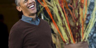 Obama sorprendido por un bebé disfrazado como el Papa Francisco Foto:AFP