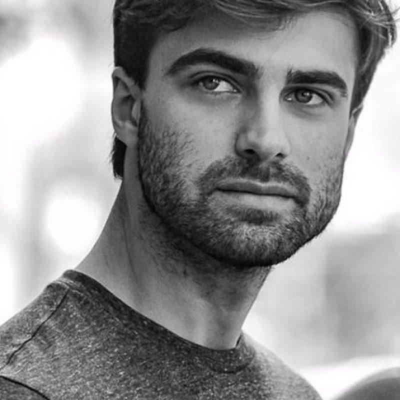 Además de ser un reconocido cantante y modelo, es abogado por la Universidad de Buenos Aires. Foto:vía instagram.com/santiramundo