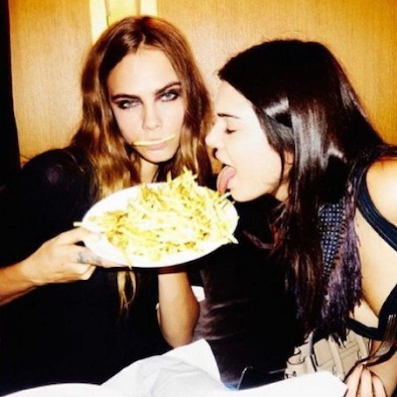 Cuando están juntas, sus rostro reflejan felicidad. Foto:Instagram/caradelevingne