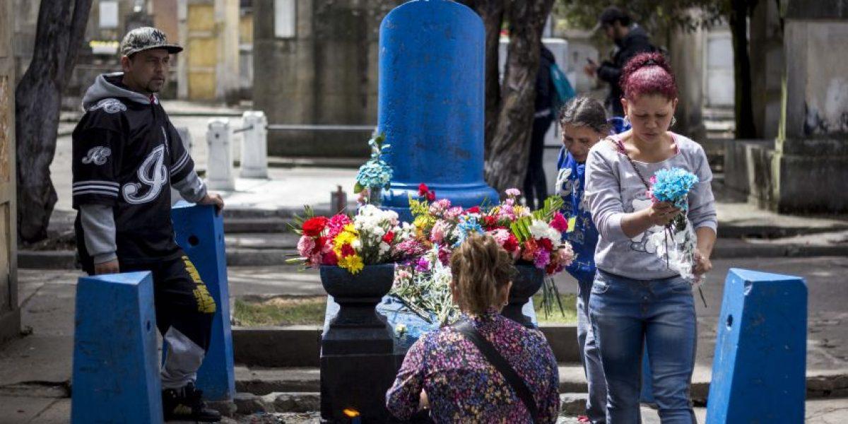 En el Cementerio Central los muertos hacen milagros