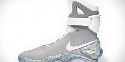 Estos sneakers tan solo cuestan 37500 dólares. Son una réplica de los tenis de Michael J. Fox en 'Volver al futuro' Foto: Nike