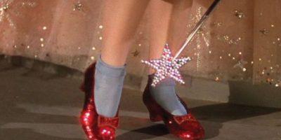 La réplica de Harry Winston de los zapatos de Judy Garland en 'El Mago de Oz'. Cuestan 3 millones de dólares Foto: Youtube