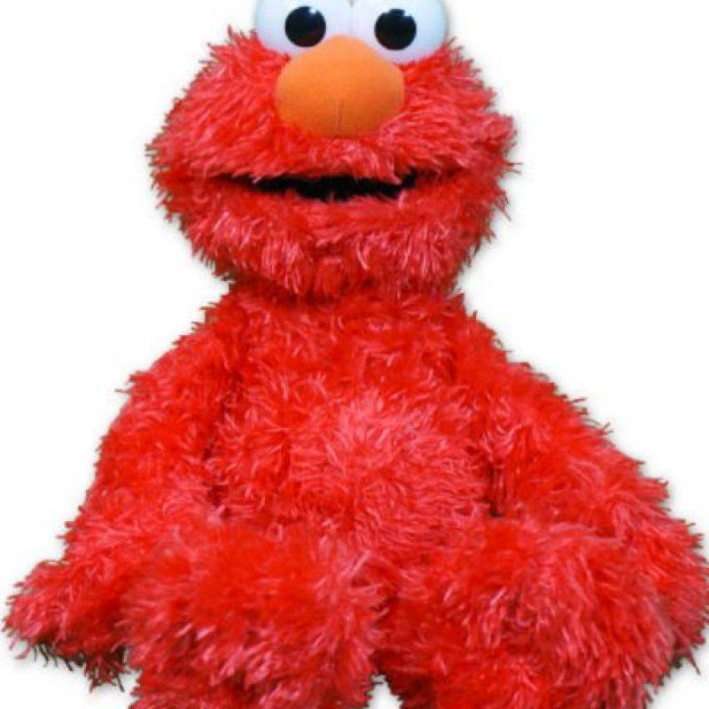 """Elmo Cosquillas: pareciera increíble que este muñeco tan popular fuera poseído, pero en 2008, la familia Bowman dio con un peluche """"asesino"""". Foto:Fischer Price"""