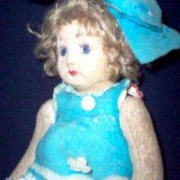 Pupa: fue una muñeca creada en la época de 1920 y basada en la apariencia de su propietaria, que afirmó que esta una vez le habló. Foto:Haunted America Tours