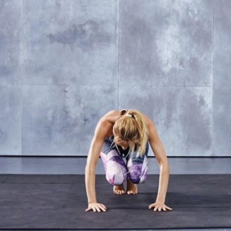 Se salta de lado a lado, doblando las rodillas únicamente al pasar por el centro… Foto:victoriassecret.com