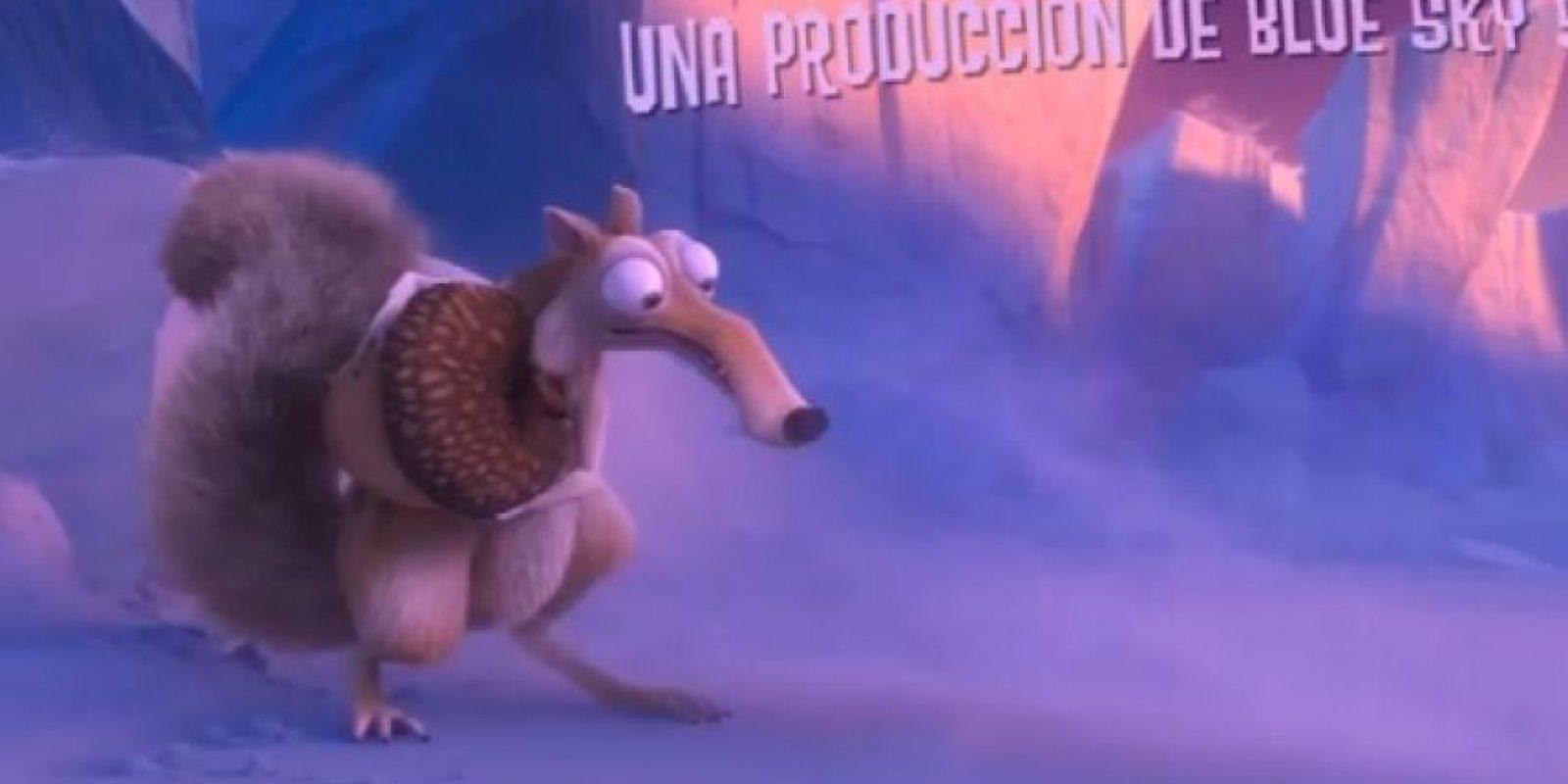 """En la historia de la """"Era de Hielo"""", """"Scrat"""" siempre está intentando atrapar una bellota. Foto:20th Century Fox"""
