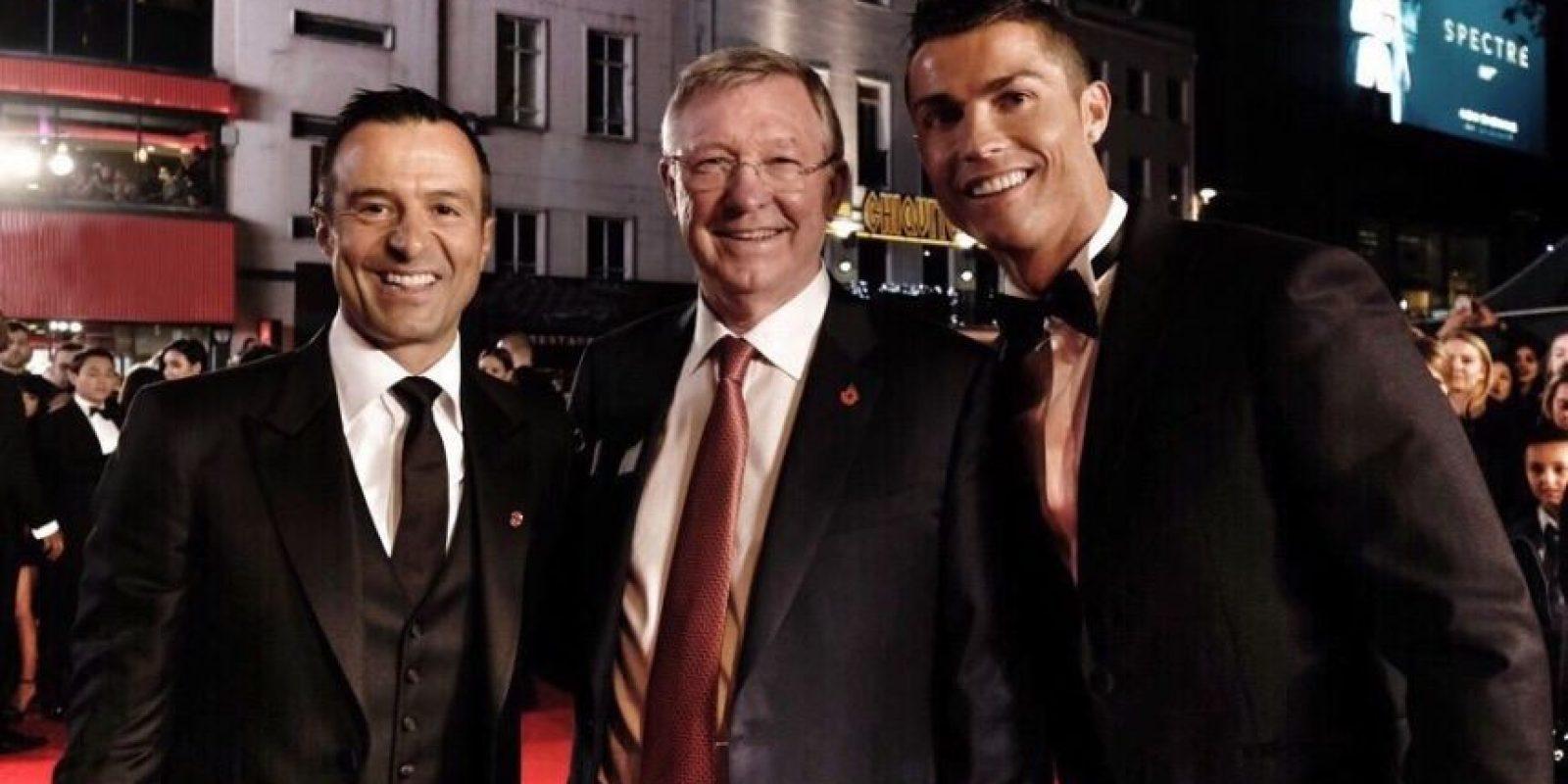 También se dieron cita en la premier tres de sus exentrenadores. Foto:Vía facebook.com/RonaldoFilm