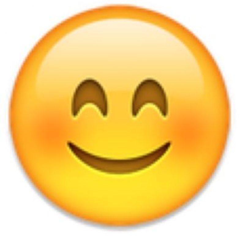 7- Cara sonrojada en iOS. Foto:vía emojipedia.org