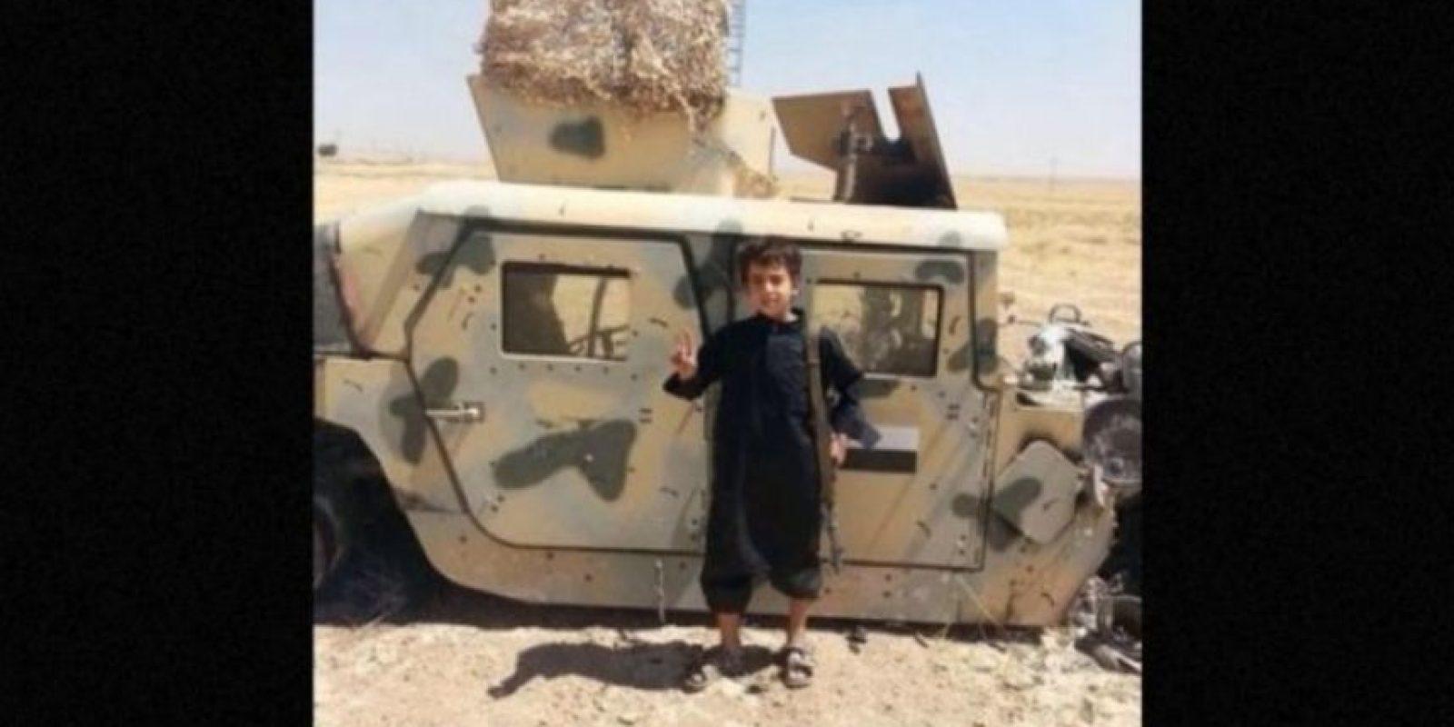 Sin embargo, esta no es una realidad para aproximadamente 5.6 millones de niños que viven en zonas de guerra en Siria, quienes son utilizados por Estado Islámico (ISIS) en sus atroces actos. Foto: Twitter.com – Archivo