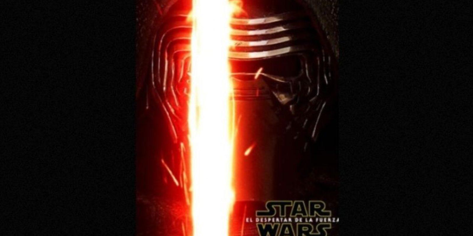 """Kylo Ren"", el villano de Adam Driver, en nuevo póster de ""Star Wars: The Force Awakens"". Foto:Facebook/StarWars.LATAM"