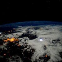 6. Los pedazos de basura espacial se mueven muy rápido. Foto:Vía Instagram.com/stationcdrkelly