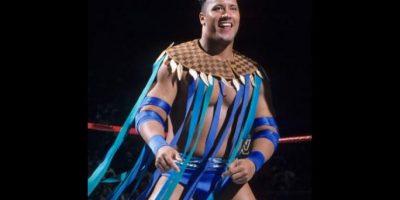 3. La Roca / En sus primeros años como luchador no lucía tan bien como hoy. Foto:WWE