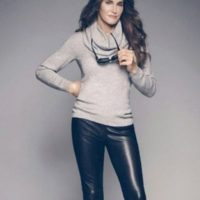 Aunque ha demostrado que tiene un elegante estilo para vestir, Jenner también ha sido acusada de robarle el look a otras famosas. Foto:Getty Images