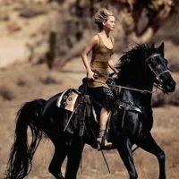 """No todo el mundo intenta salir con la actriz. Foto:Revista """"Vogue"""""""